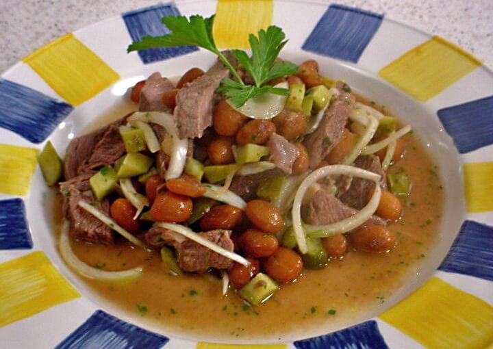 Hladna salata od graha i junetine