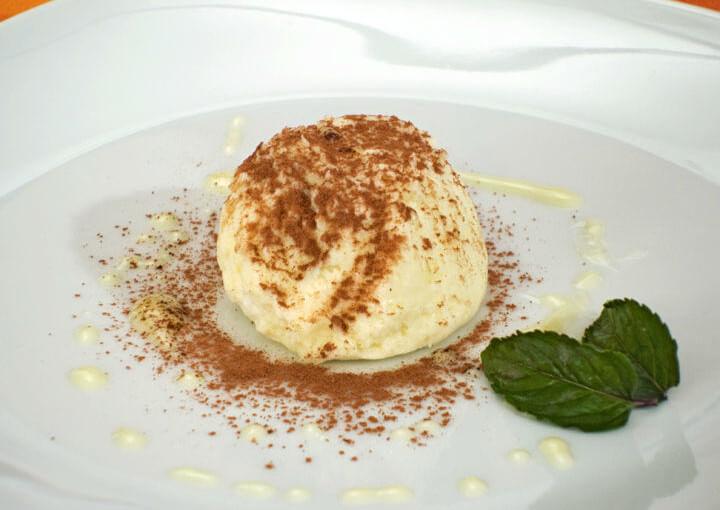 Mousse od bijele čokolade s maslinovim uljem