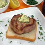 Biftek sa začinjenim maslacem