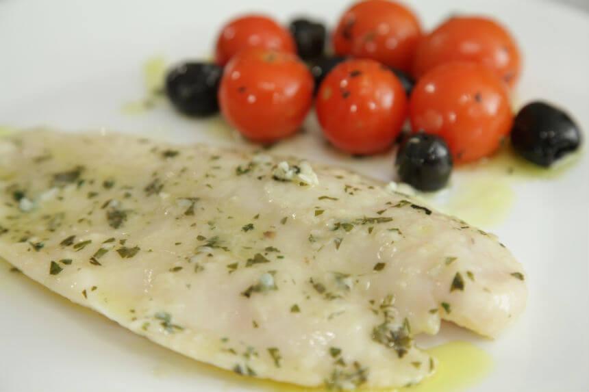 Fileti bijele ribe s mini rajčicama iz pećnice - Fini Recepti by Crochef