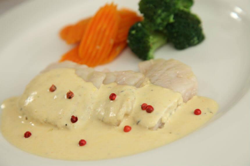 Filet bijele ribe u umaku od pjenušca - Fini Recepti by Crochef