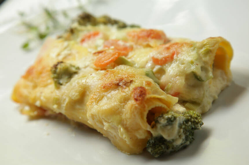 Caneloni s povrćem i dimljenim lososom - Fini Recepti by Crochef