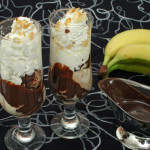 Čokoladni kup s bananama