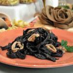 Crna tjestenina sa sipom