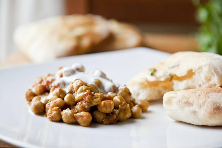 Curry od slanutka s naan pecivom - Fini Recepti by Crochef