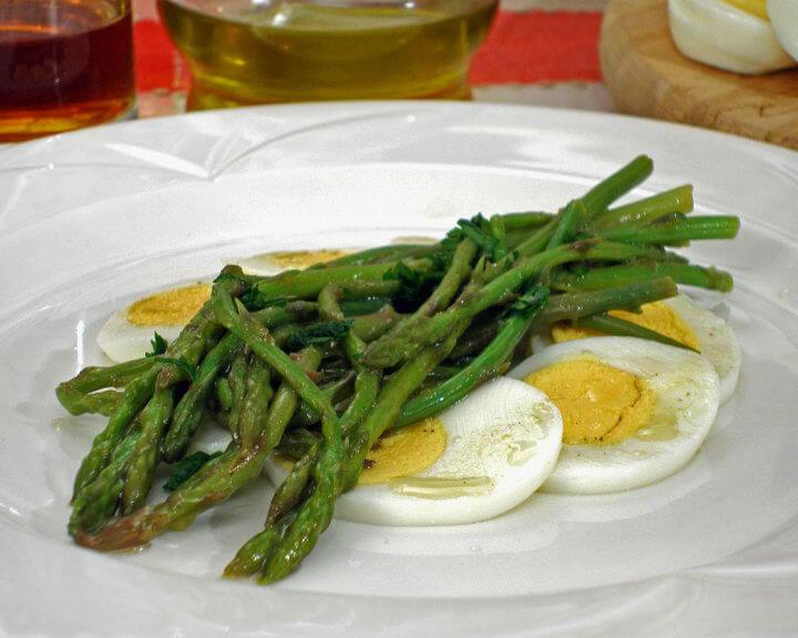 Divlje šparoge s jajima - Fini Recepti