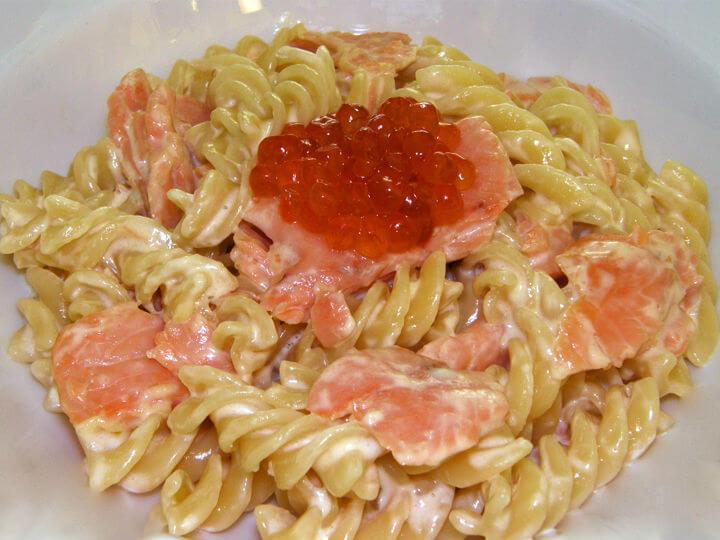 Fusilli s dimljenim lososom - Fini Recepti