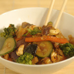 Gljive iz woka s tjesteninom - Fini Recepti by Crochef