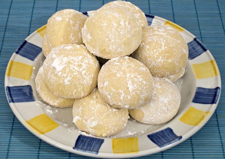Grčki kolačići s Metaxom – kourabiedes