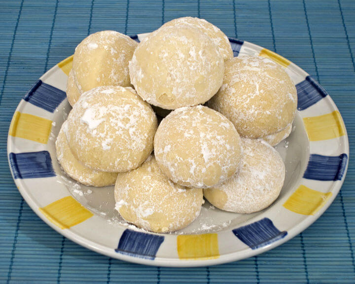 Grčki kolačići s Metaxom - kourabiedes - Fini Recepti