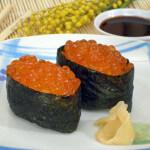Gunkan nigiri sushi s ikrom od lososa - Fini Recepti
