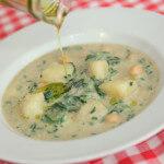 Gusta juha od krumpira, špinata i slanutka