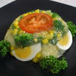 Hladetina od povrća s kuhanim jajetom
