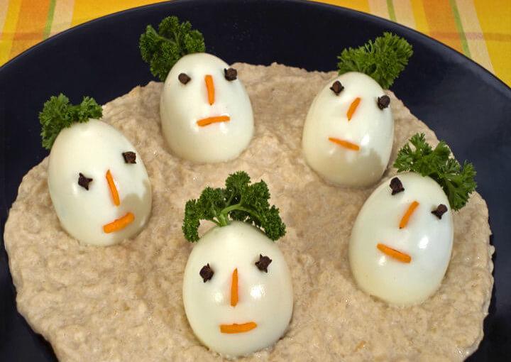 Vesela jaja u umaku od hrena