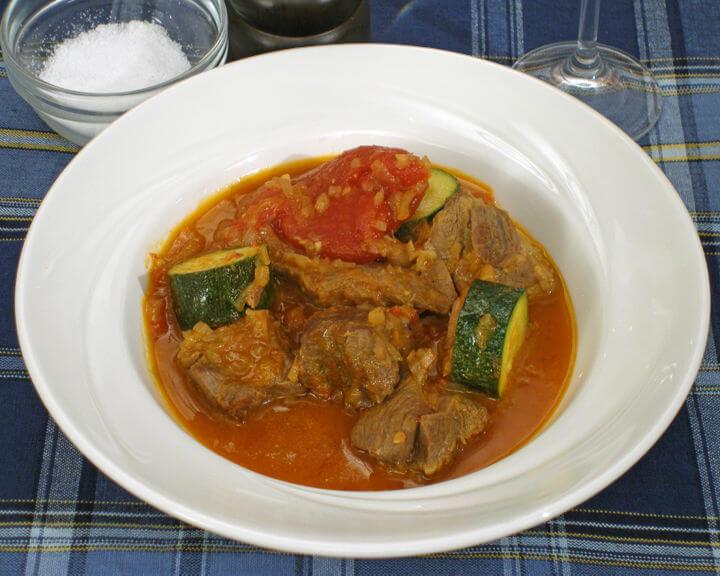 Janjetina s bižima - Fini Recepti