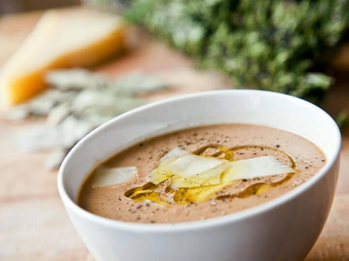 Mediteranska juha od graha sa suhim mesom - Fini Recepti by Crochef