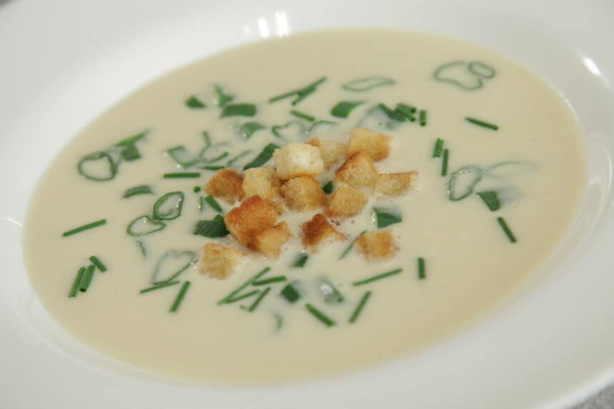 Proljetna juha s mladim lukom - Fini Recepti by Crochef