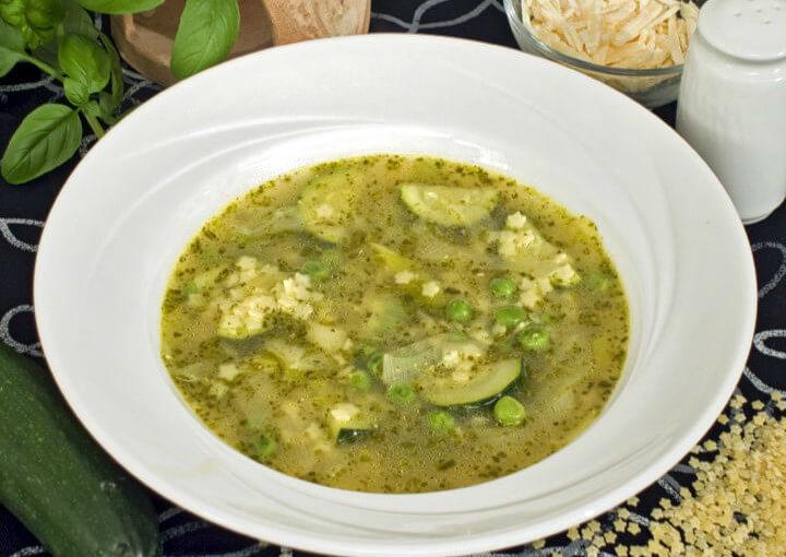 Ljetna juha s pestom
