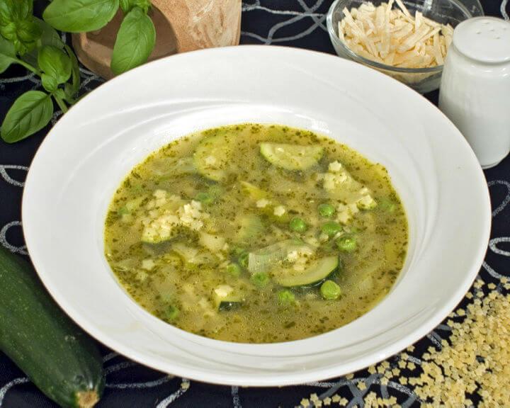 Ljetna juha s pestom - Fini Recepti