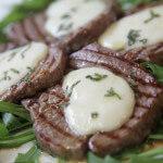 Odresci juneće pisanice s mozzarellom i kaduljom - Fini Recepti by Crochef