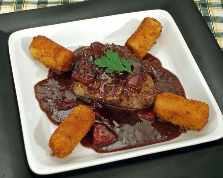 Juneći filet u umaku od crnog vina - Fini recepti