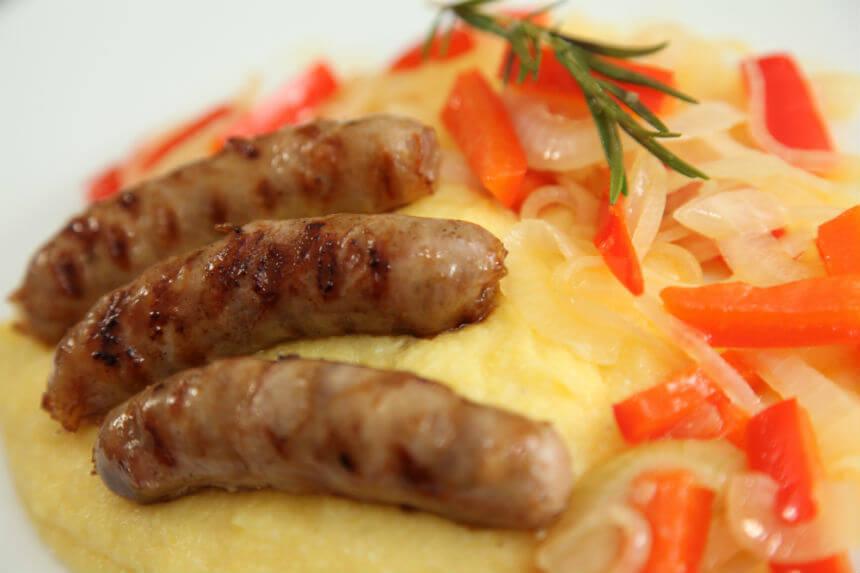 Gril kobasice s povrćem i palentom - Fini Recepti by Crochef