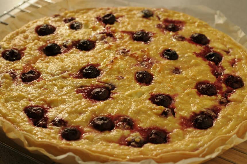Sočni kolač od svježeg kravljeg sira i višanja - Fini Recepti by Crochef