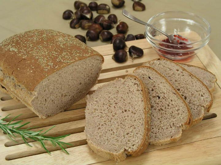 Kruh od kestena s ružmarinom