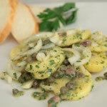 Krumpir salata s inćunima i kaparima