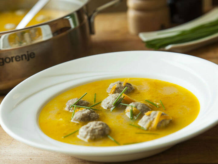 Frikadelu zupa - latvijska juha s mesnim okruglicama - Fini Recepti by Crochef
