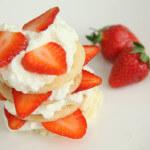 Tornjići od lisnatog tijesta s jagodama - Fini Recepti by Crochef