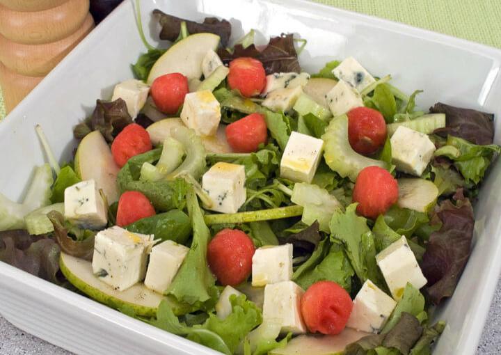 Ljetna salata s gorgonzolom