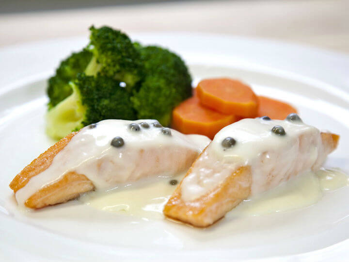 File lososa s povrćem i umakom od zelenog papra - Fini Recepti by Crochef
