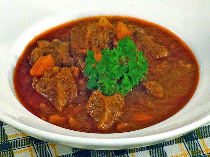 Mađarski gulaš - Fini Recepti