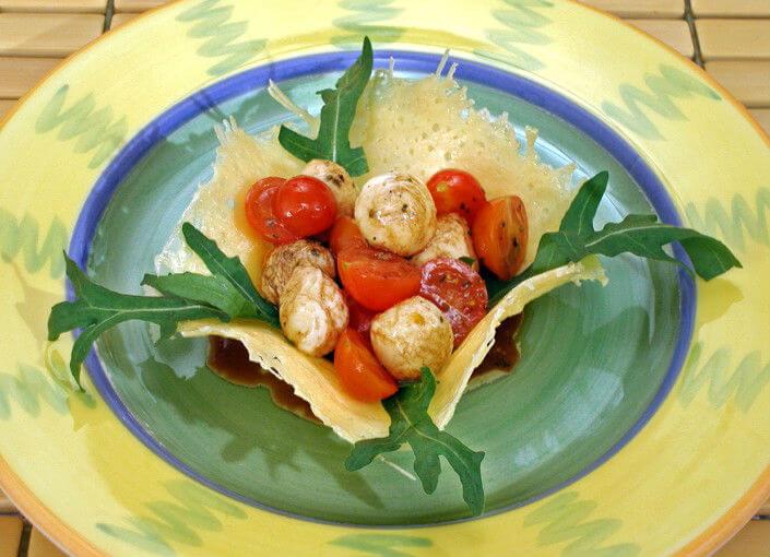 Mediteranske košarice od parmezana - Fini Recepti
