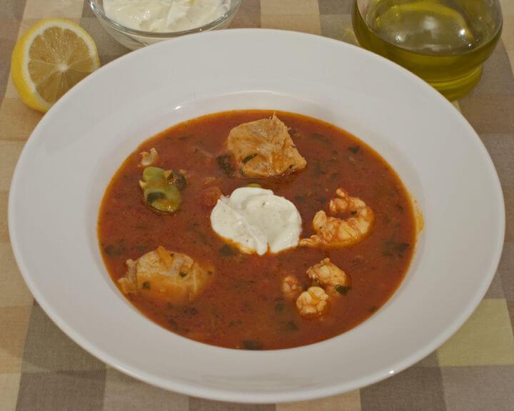 Mediteranski lonac s plodovima mora i bobom - Fini Recepti