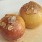 Nadjevene zapečene jabuke u umaku s rumom