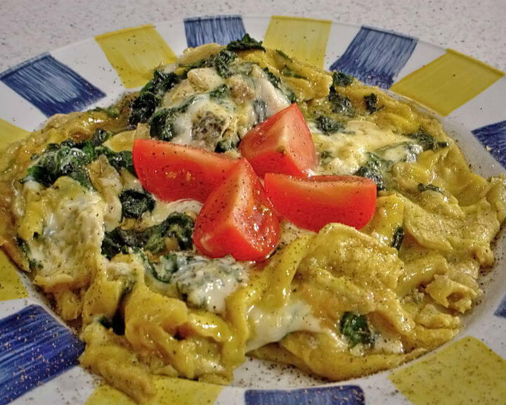 Omlet s mladim koprivama i gorgonzolom