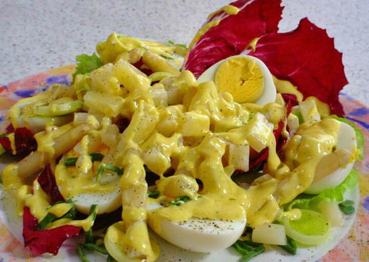 Pikantna hladna salata od kuhanih jaja