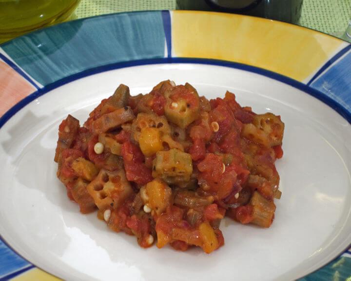 Bamije s rajčicom na pikantan način - Fini Recepti