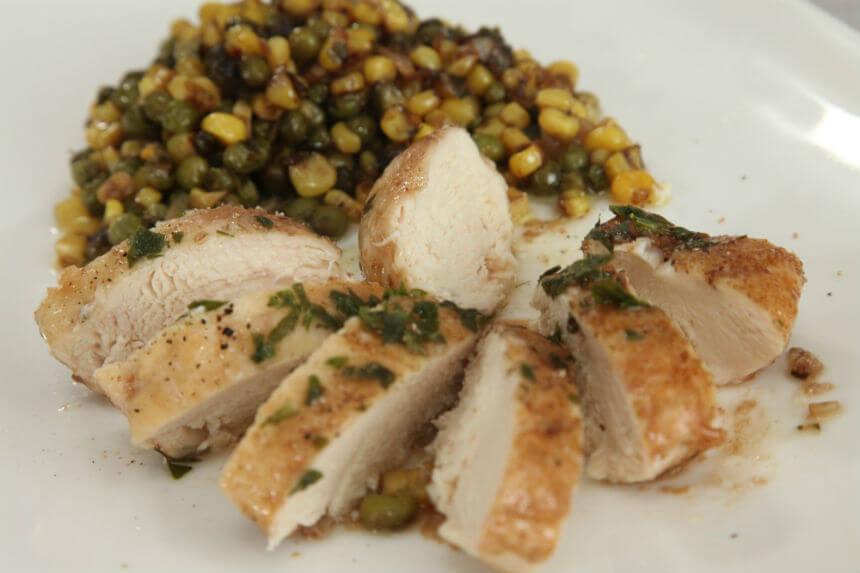 Piletina s graškom i mladim kukuruzom - Fini recepti by Crochef