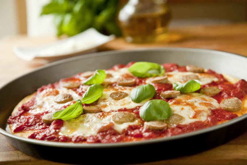 Zapečena palenta s rajčicama i kobasicama - Fini Recepti by Crochef