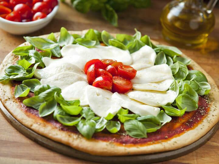 Pizza tricolore - Fini Recepti by Crochef