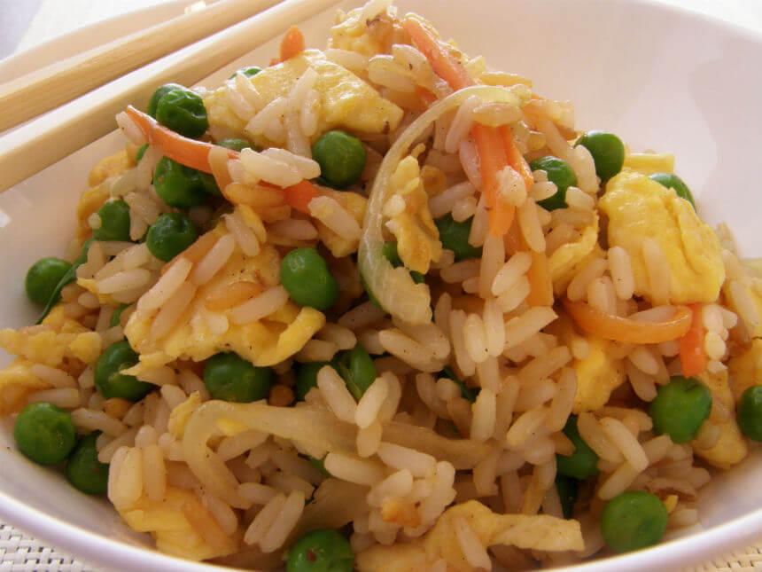 Pržena jaja s rižom - Fini Recepti