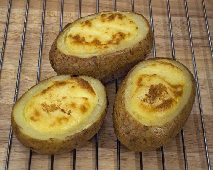 Punjeni pečeni krumpir (na američki način) - Fini Recepti