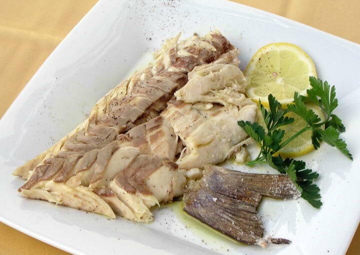 Riba pečena u krupnoj soli