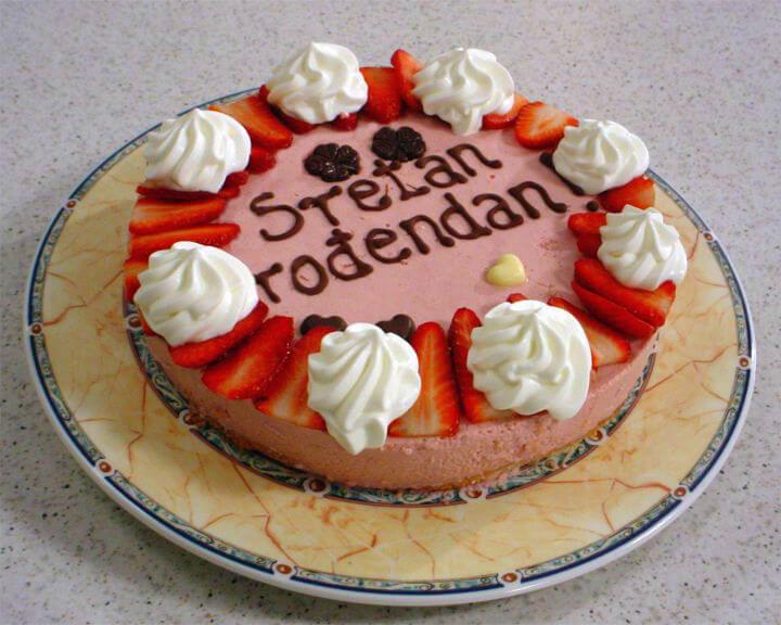 Rođendanska torta s jagodama
