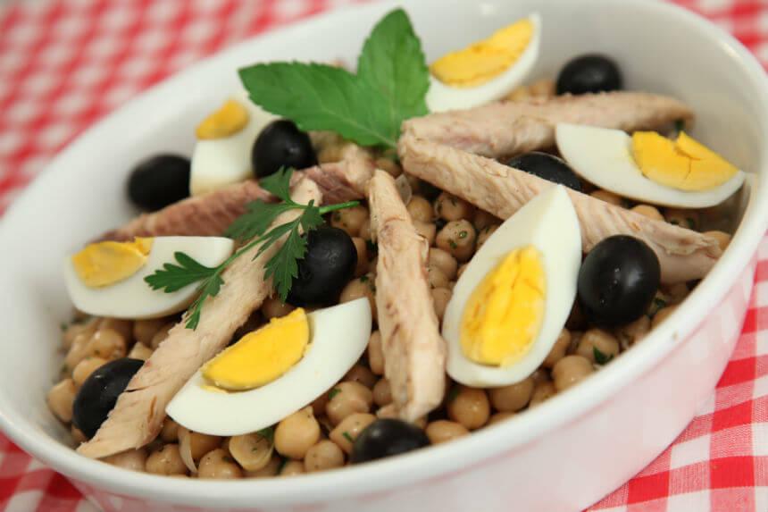 Salata od skuše, jaja i slanutka - Fini Recepti by Crochef