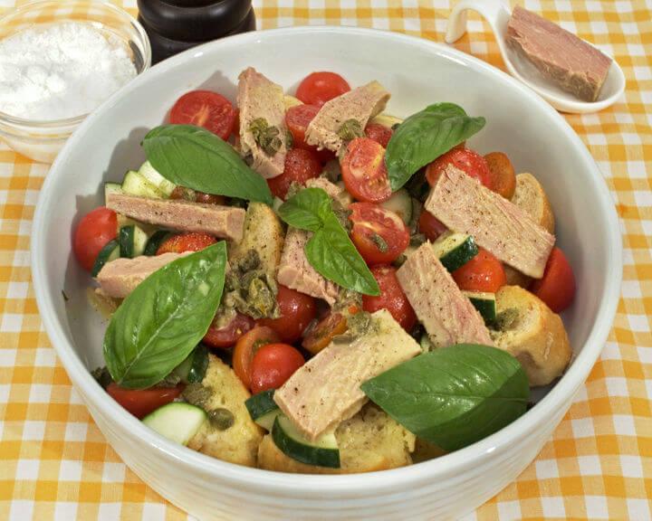 Salata od tune s kaparama - Fini Recepti