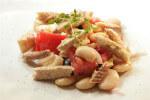 Salata s grahom, rajčicom i skušom